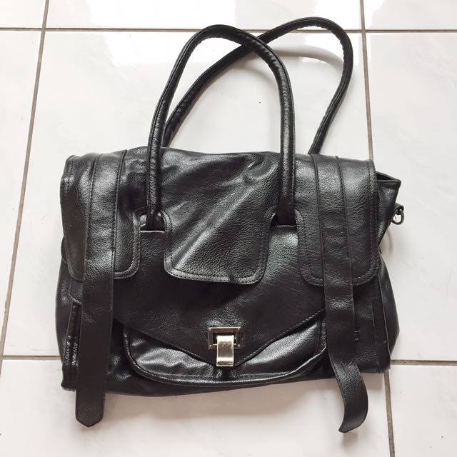 Shine black leather bag