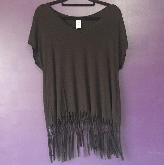 Size 8 NOW black Tshirt