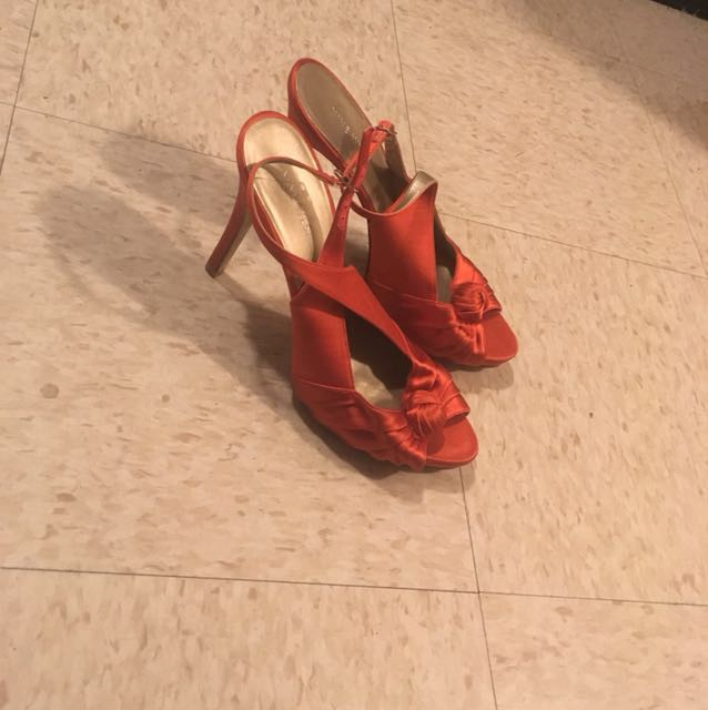 Size 9  Nine West heels