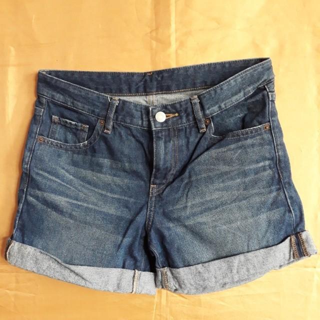 Uniqlo denim shorts (size 27/28)