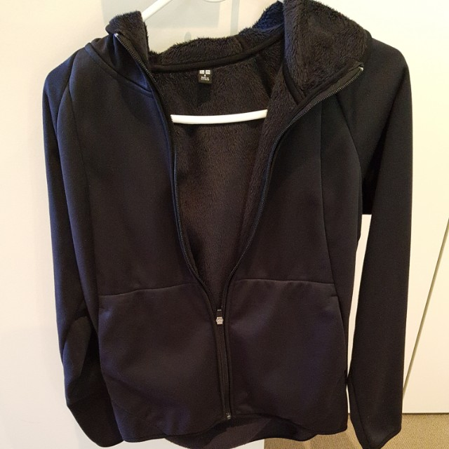 Uniqlo windproof hoodie size small