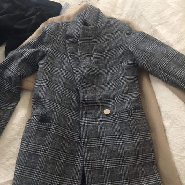 Zara Checked Coat XS, fits S