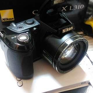 🙋新年快樂Nikon類單眼4800哈哈新年快樂價!。因不會使用幾乎全新。快買吧!喜歡就開價問我真的不會啊哈哈