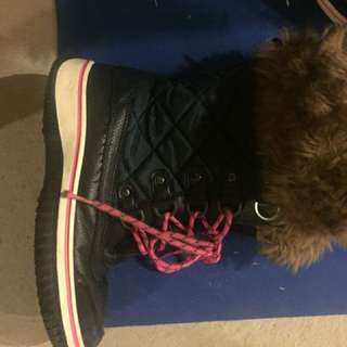 Size 6 Girls Winter Boots