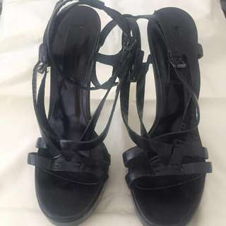 Burberry heels ORIGINAL