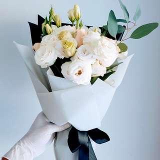 #049 Eustomas & Roses Bouquet