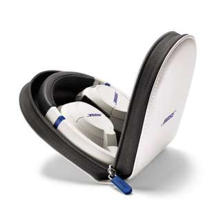 Bose SoundTrue on-ear headphones white with iPhone · iPod · iPad corresponding remote control