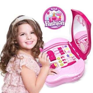 Light Up Beauty Salon Vanity Case Play Set with Fashion Projector