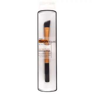 *CLEARANCE* INSTOCK: Real Techniques by Sam & Nic Chapman Concealer Brush