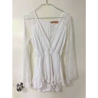 White playsuit with lace sleeves