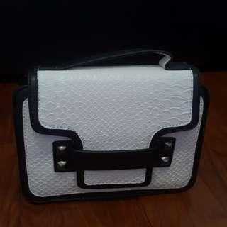Black white fashion bag