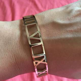Tiffany's inspired rose gold plated Atlas bangle