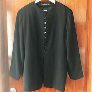 Tahari black jacket size 4-6