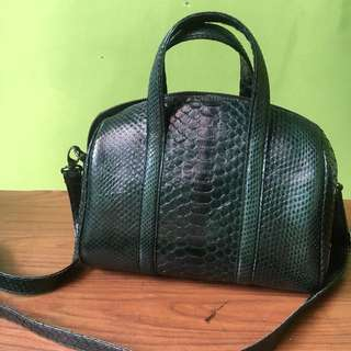 Green snakeskin bag