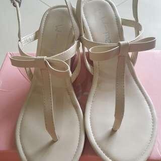 夾腳楔形涼鞋