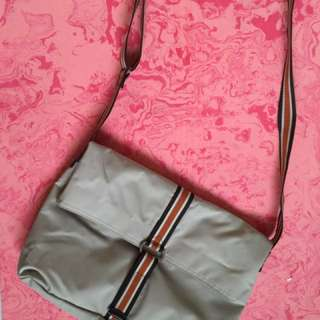 🚚 Agnes b. 肩背包 斜背包 有內袋