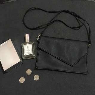 Black fashionable chic sling/hand bag