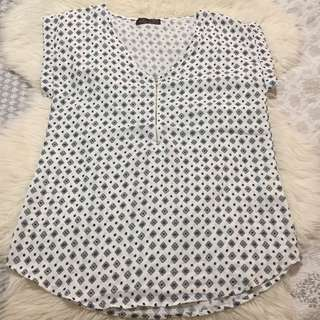 Ally Fashion Black and White Blouse Top size 8