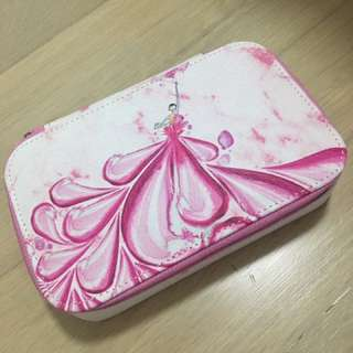 Cosmetic hard case with mirror