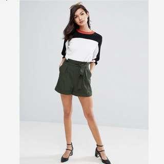 BNWOT Khaki Paperbag Waist Short