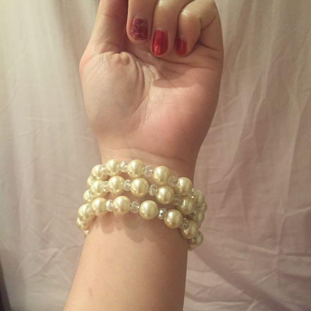 1 piece vintage pearl blacelets