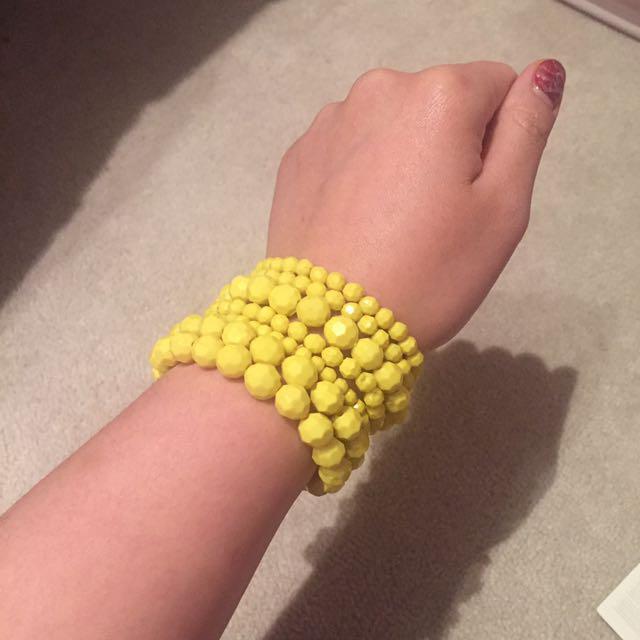 1 set yellow beads bracelets