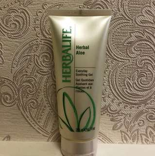 🚚 Herbalife Herbal aloe everyday soothing gel 蘆薈護膚凝露 #我的美妝可超取