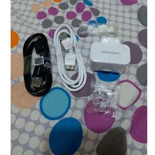 Samsung 原廠三腳快充(火牛)充電器 +充電線+耳塞+其他配件