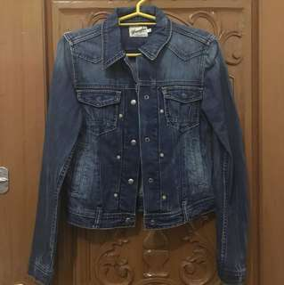 Wrangler Denim Jacket (100% Authentic)