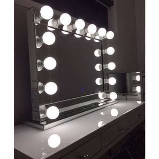Hollywood Vanity Makeup Mirror with Dimmable Lights BRAND NEW, FREE SHIPPING MELBOURNE WIDE (NO PICK UPS, NO OFFERS)