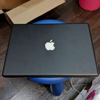 Black Macbook (2008 model, refurbished)