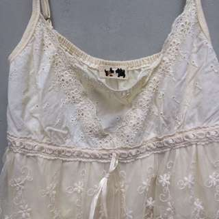Tank top lace layer