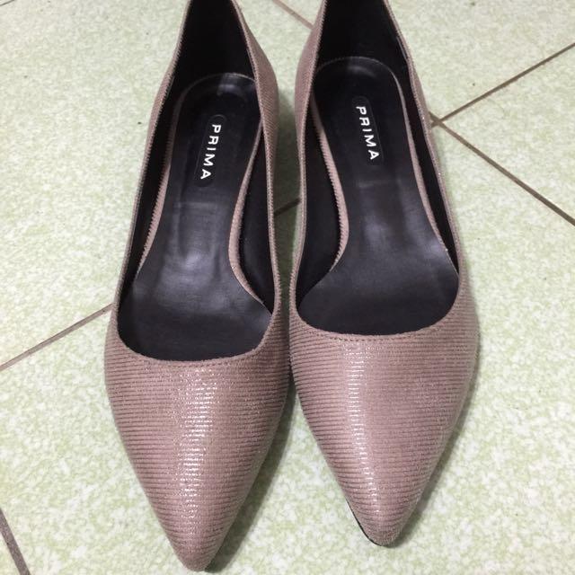 東區韓貨店購入!平底尖頭鞋
