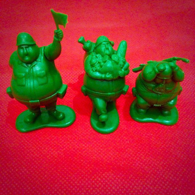 熊貓之穴-胖綠兵公仔