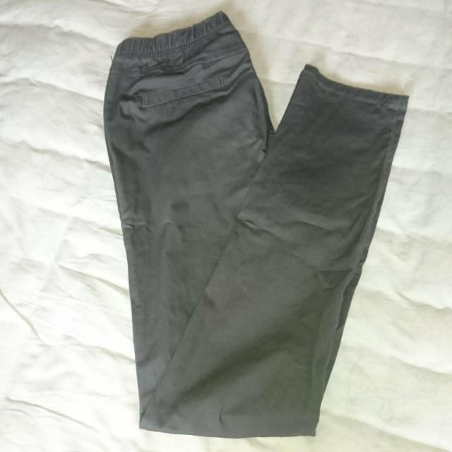 灰色鬆緊窄管長褲