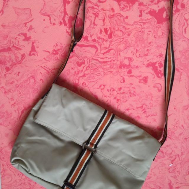 Agnes b. 肩背包 斜背包 有內袋