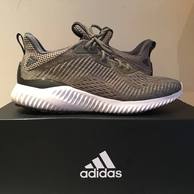 Bnew Adidas Alphabounce EM (olive) US 7.5