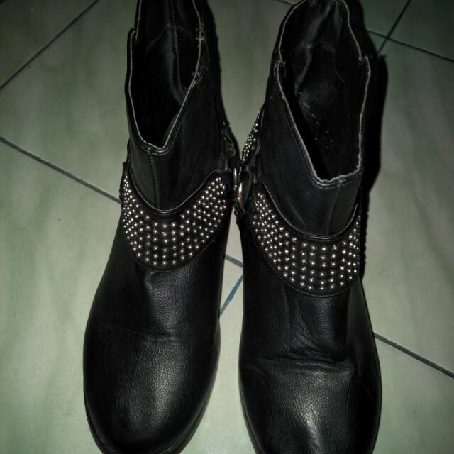 Promo awal tahun Boots wanita