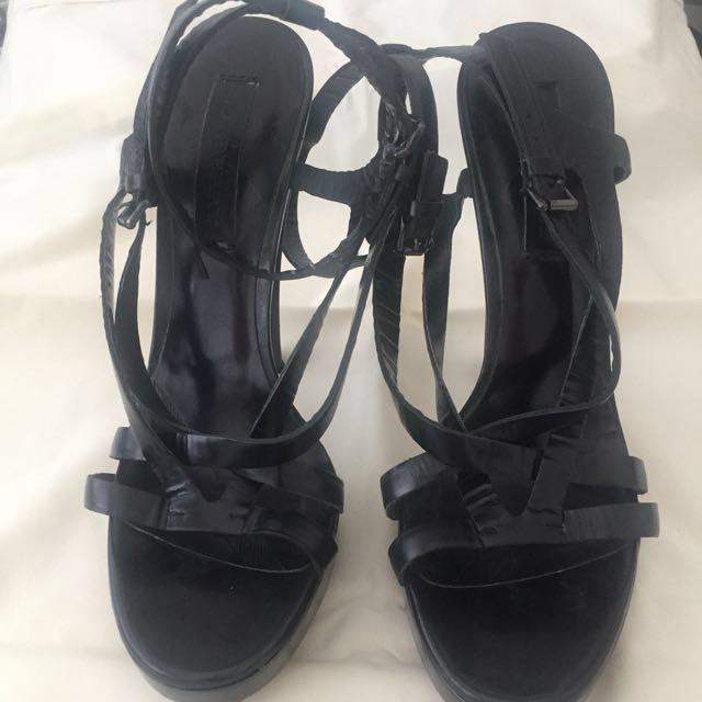 Burberry heels ORIGINAL