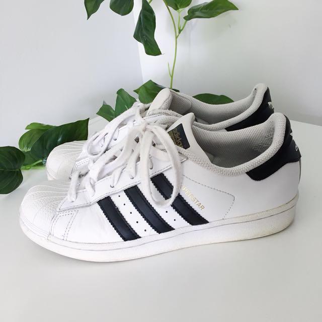 Classic Adidas Superstars AUS 7 1/2