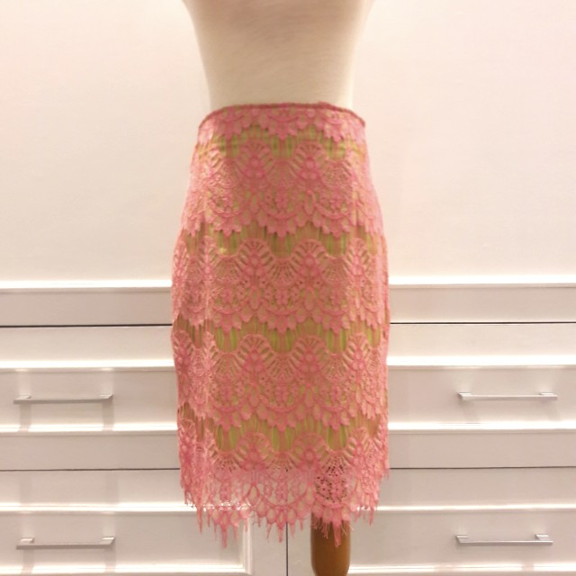 Cloudberry Lace Skirt sz M