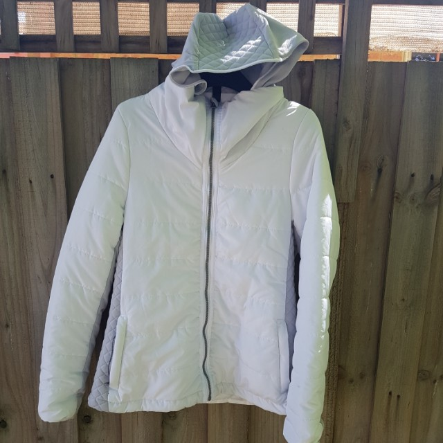 Cotton on Puffer Jacket Size L