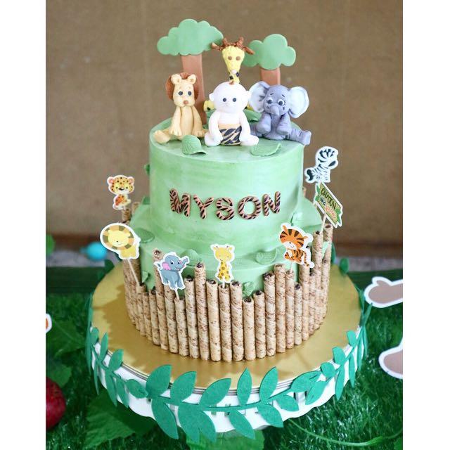 Customised Cake Safari Cake 1st Birthday Food Drinks Baked