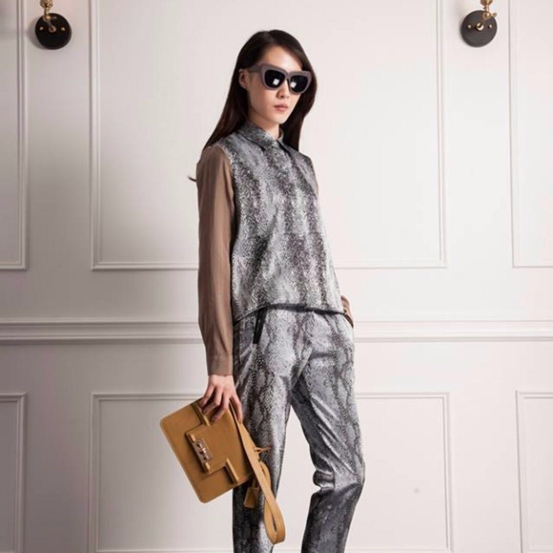 Dress Code dresscode 裸袖蛇紋BLS