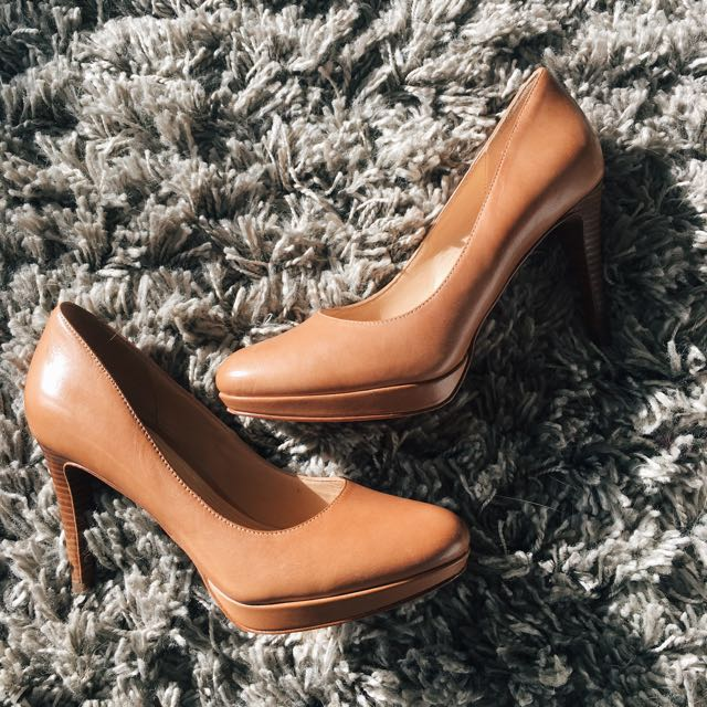 Elegant Cole Haan Tan Leather Pumps with stacked heel