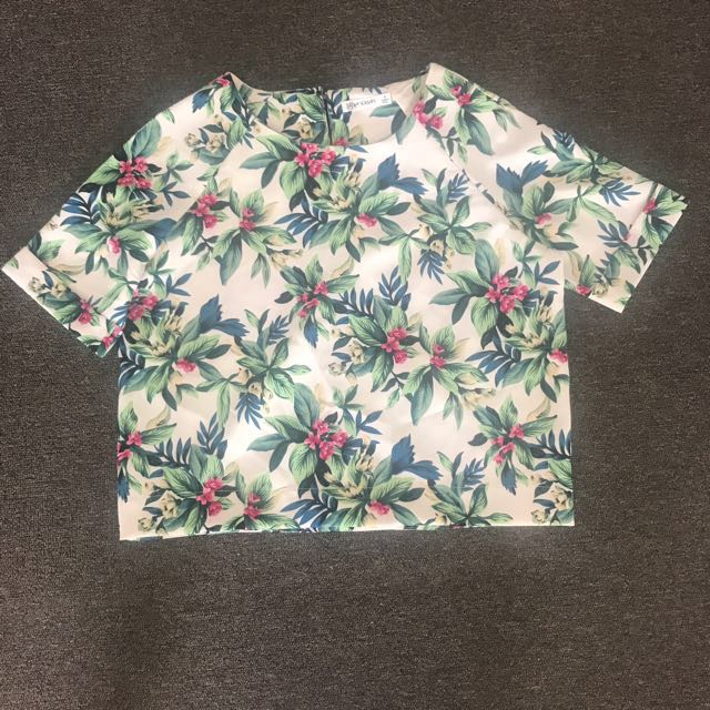 Floral tropical print top Size 8
