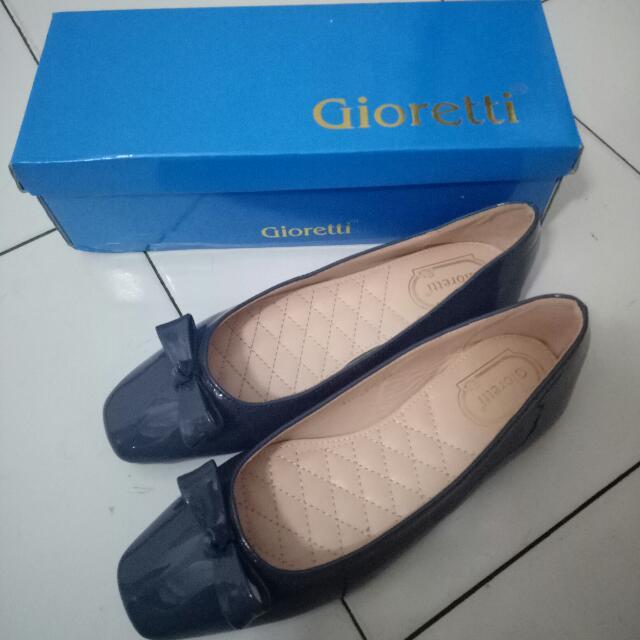 Gioretti Flat Shoes Blue