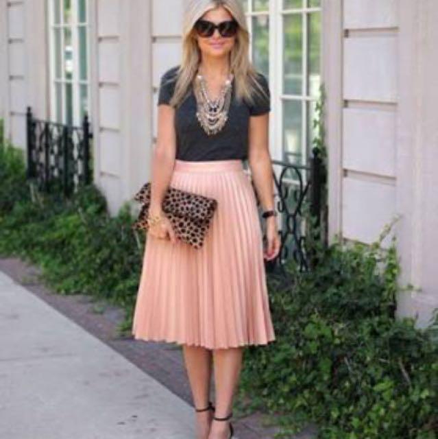 H&M peachy pleated midi skirt, 3/4 length