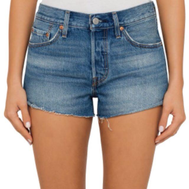 Levi's 501 Shorts | size 26