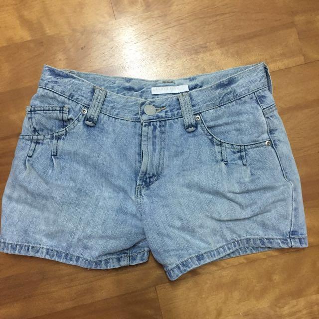 LOWRYS FARM牛仔短褲(M) #兩百元丹寧 #我的女裝可超取
